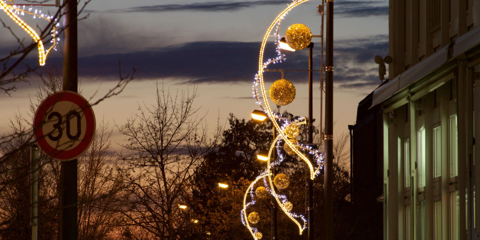 Weihnachtsbeleuchtung München.Festive Decorative Lighting For Streets Mk Illumination Mk