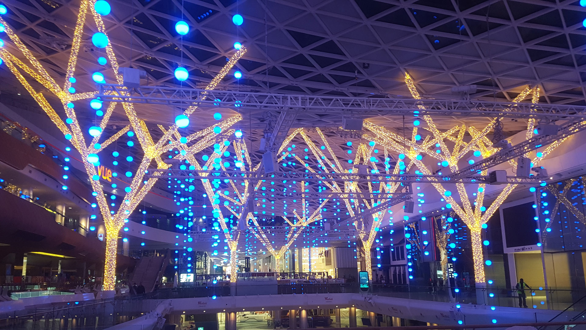 "a516d8f33 London's Westfield Shopping Center gets its ""sparkle on"" for Christmas"