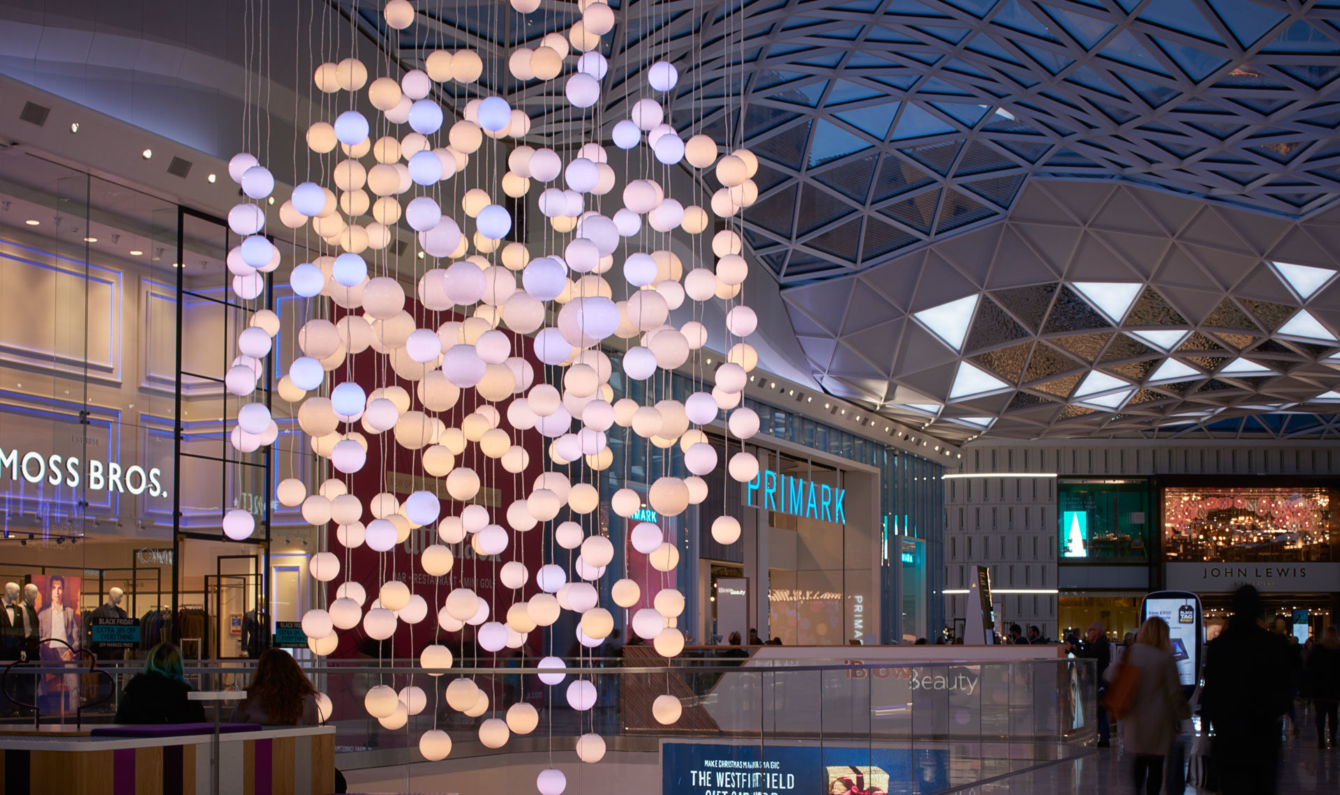5533f3d27 A festive display for Westfield London | MK Illumination